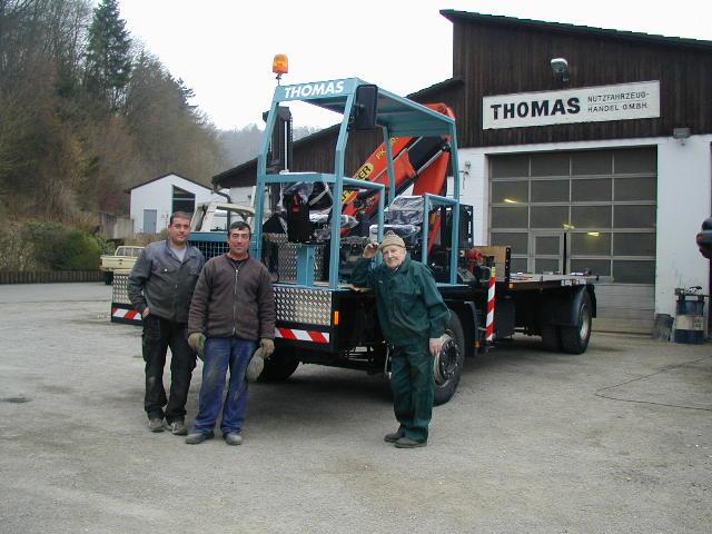 Personal der Fa. Thomas mit Thomaswagen.